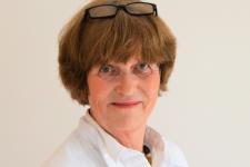 Dr. Eva Huening (German Board Certified)
