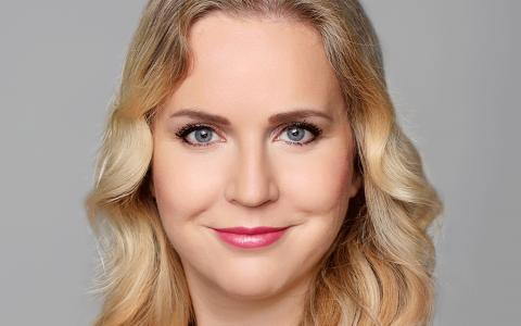 Dr. Daniela Graf (German Board Certified)